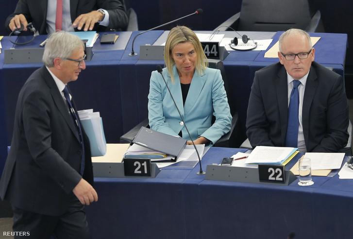 Jean-Claude Juncker, Federica Mogherini és Frans Timmermans Brüsszelben