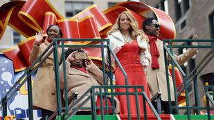 Mariah Carey visongva szánkózott