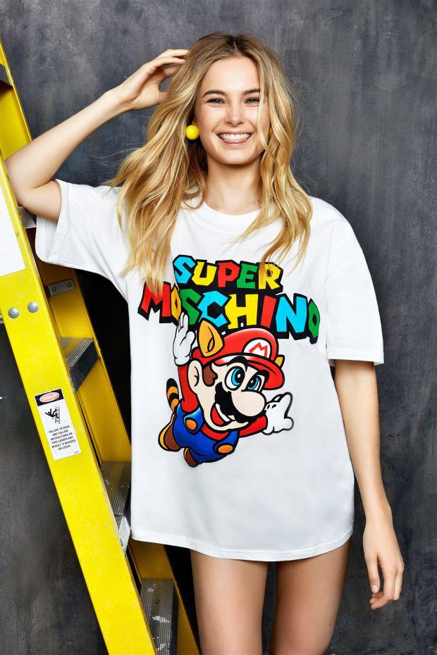 Több mint 60 ezer forintba kerül a Super mariós póló.