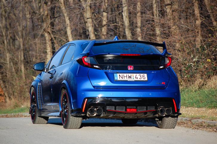 Talán túlzás a Nissan GTR stílusú kipufogó