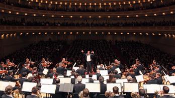 A szélsőjobb is politikailag korrektebb, mint a Bécsi Filharmonikusok