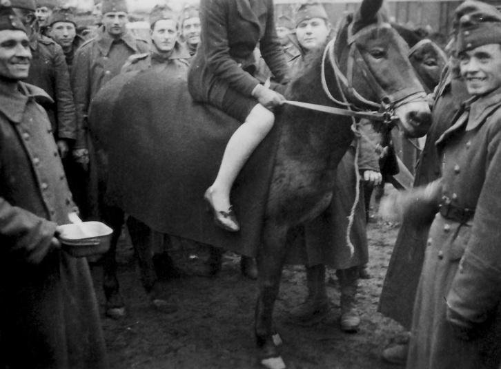 Ismeretlen lovas 1941-ből