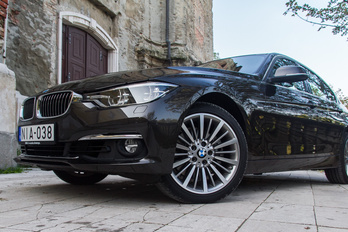 Benzint fogyasztó dízel BMW?