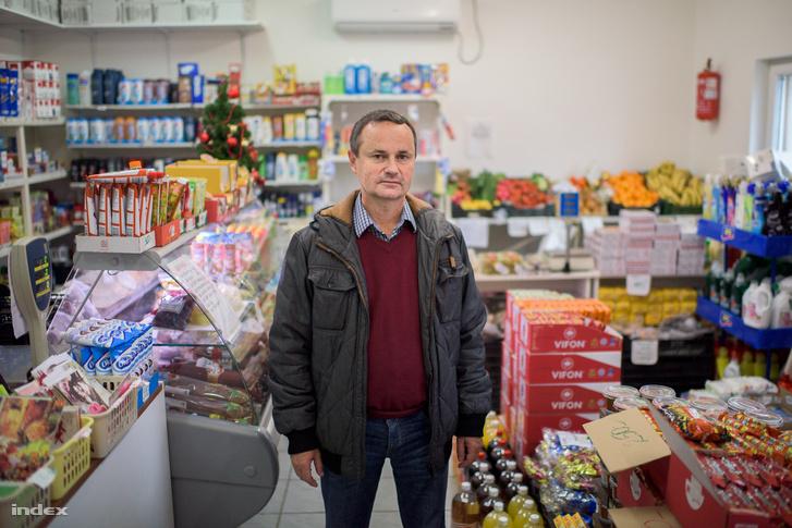 Zolta Csaba bv. ezredes, az Annamajori Mezőgazdasági és Kereskedelmi Kft. gazdasági igazgatója.