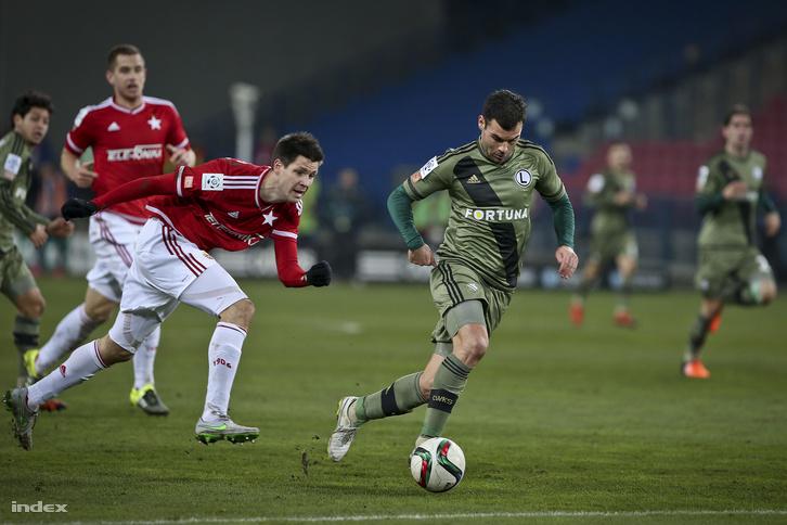 Guzmics és Nikolics a Wisła Kraków-Legia Warszava mérkőzésen