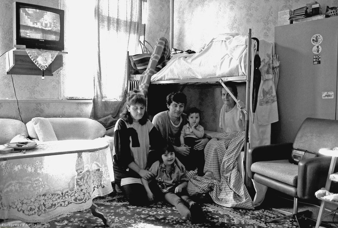 Boszniai család egy német menekültszálláson (1993)