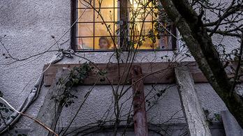 Vagyonokért bérelnek fakunyhókat a számozott utcai szegények