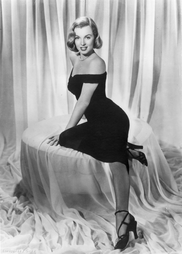 Marilyn Monroe már az ötvenes évek elején is ilyen dögösen öltözött.