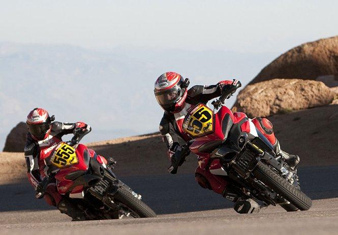 Az új szabály a Ducati Multistradáknak kedvez