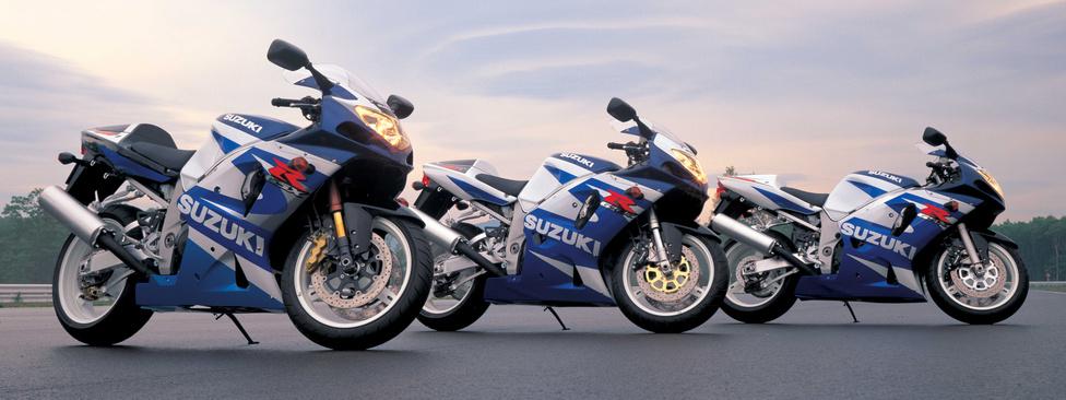 A Gixxerek újabb generációváltása szintén 2000-ben következett be, a sportmotorok világát azonban egy évvel később rázta fel újra a Suzuki. Ekkor rántották le a leplet a GSX-R 1000-ről, amelynek következő modellváltozatai a mai napig meghatározóak a kategóriában. Az ezres blokk külső fizikai méreteit tekintve alig nagyobb a 750-esnél, de teljesítménye 160 lóerő, nyomatéka 110 newtonméter. K1-es kóddal jelölik, míg a következő modellévben már K2-est kap.