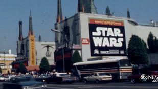 1977-ben így álltak sorba a Star Warsért