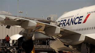 Bombagyanús tárgy miatt hajtott végre kényszerleszállást az Air France gépe