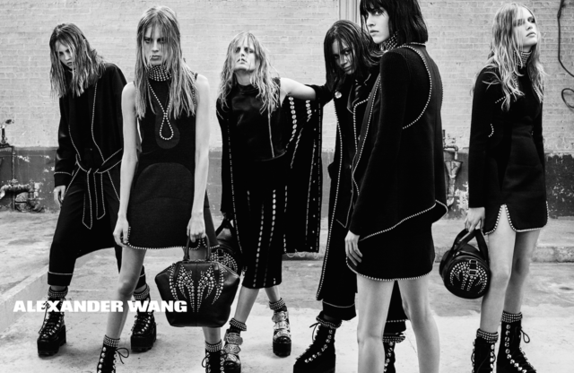 Alexander Wang kedvenc modelljeivel és személyes jó barátaival, többek között Lexi Bolinggal, Binx Waltonnal és Hanne Gaby Odielevel készítette el gót stílusú, Bad Girls Club néven futó kampányát az őszi-téli szezonra. A fekete-fehér, szomorkodós hangvételű anyagot Steven Klein készítette a New York-i divatháznak.