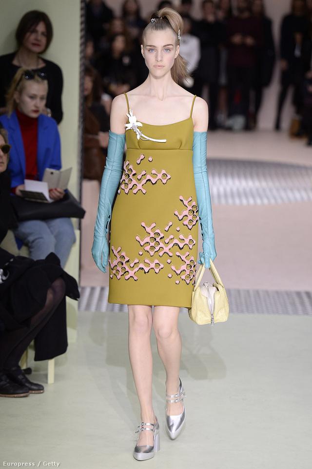 Nemcsak a Gucci, de a Prada őszi-téli kollekciója is felkapott volt  2015-ben.