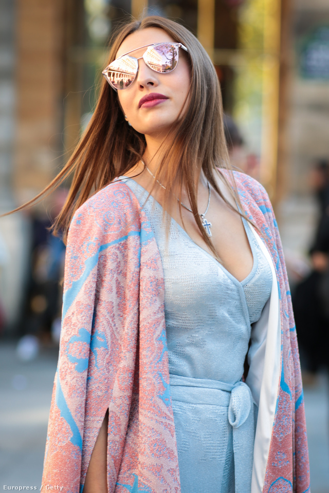 A Dior 'So Real' fantázianéven futó szemüvege annak ellenére felkapott volt, hogy 156.200 forintot kértek érte a divatháznál.