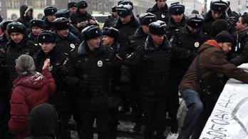 Most már lehet lőni a tüntetőkre Oroszországban