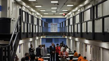 Szoftverhiba miatt korábban engedtek ki 3200 elítéltet
