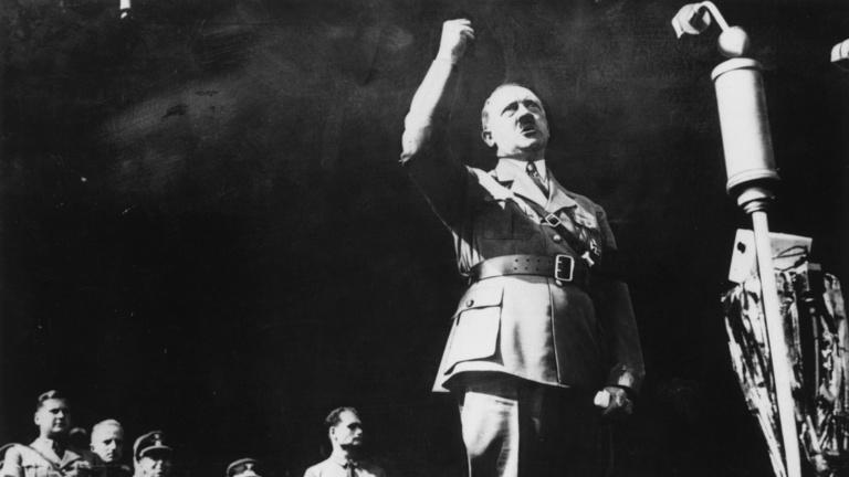 Hitler még a sírból is irányítani akart