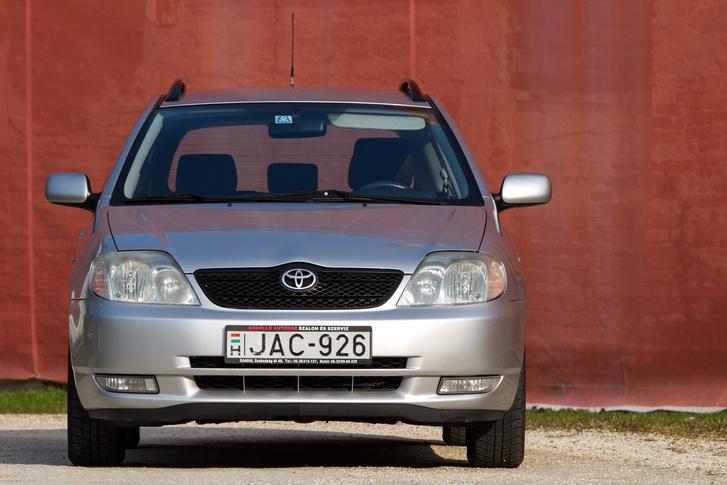 2004-ben ilyen ijedt tekintete volt a Corollának