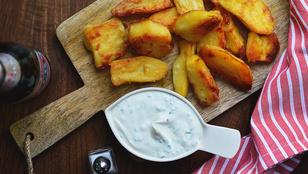 Csak egyszerűen: csodás sült krumpli kecskesajtos mártogatóssal