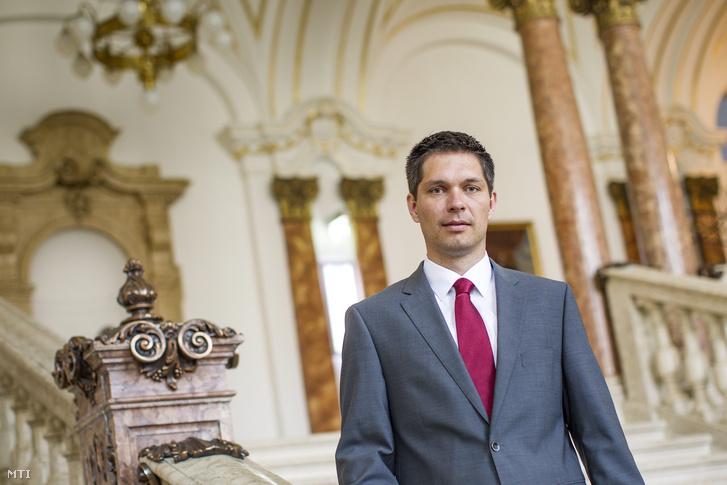 Balog Ádám az MKB Bank elnök-vezérigazgatója a Magyar Nemzeti Bank korábbi alelnöke az MKB budapesti székházában 2015. augusztus 4-én.