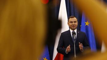 A lengyel kormány is kiherélte az alkotmánybíróságot
