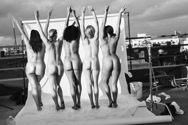 Az ALDA néven futó kezdeményezés öt tagja, Ashley Graham, Marquita Pring, Julie Henderson, Inga Eiriksdottir és Danielle Redman ruha nélkül látható a divatlap májusi számában.