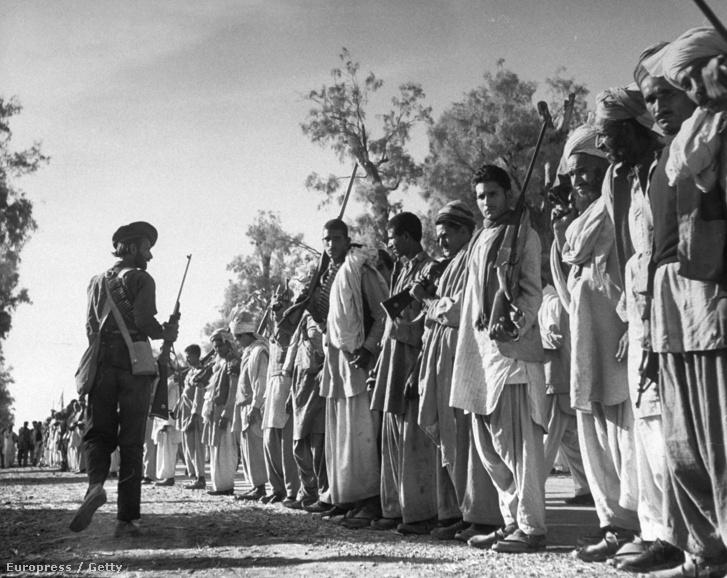 Fegyveres törzsi harcosok Rawalpindinél (1947)
