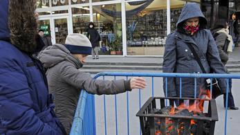 A lengyeleknél durvább a hideg: újabb 12 halott