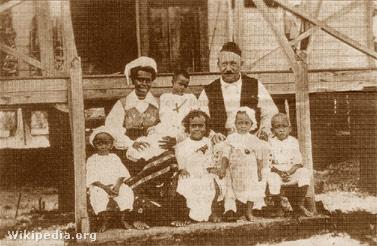 Petterson családjával 1918.