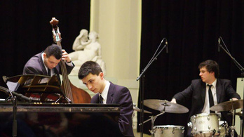 Fiatalokkal indul a koncertszezon a jazztörténeti kiállításon