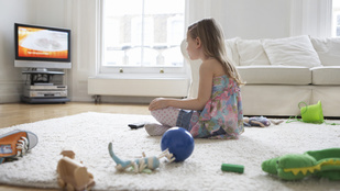 Tényleg a tévétől lesz antiszociális a gyerek?
