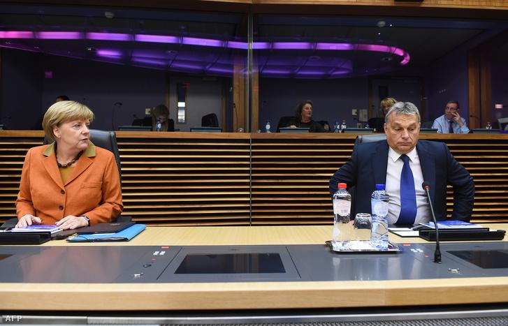 Angela Merkel német kancellár és Orbán Viktor miniszterelnök az európai menekültválságról rendezett rendkívüli csúcstalálkozó.