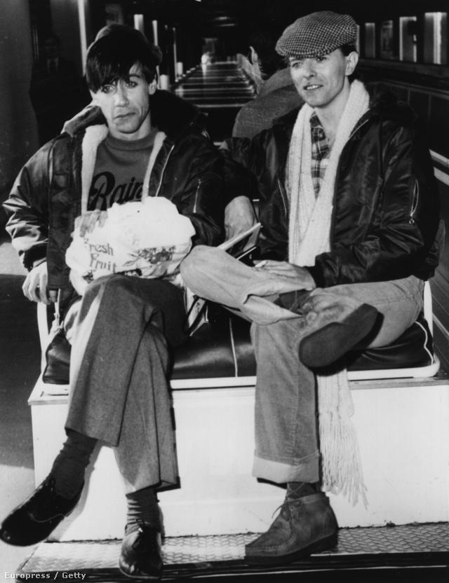 David Bowie és kortársa, Iggy Pop 1977 márciusában Németországban.