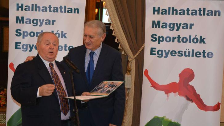 Kárpáti György és Dunai Antal az átadó ünnepségen