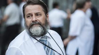 Véget ért Lukács Lajos kálváriája, újra ő a Bányai Júlia Gimnázium igazgatója