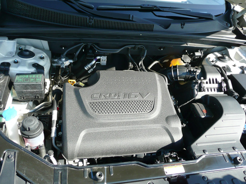 Rájöttek, mennyire nevetséges az előző Sorento kamu V6-os motorborítása