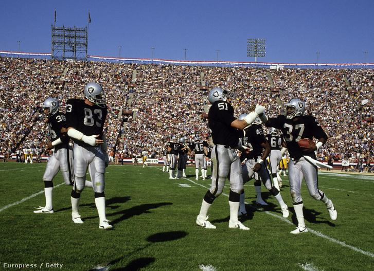 1994-ig a Raiders is Los Angelesben játszott