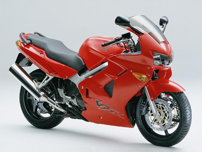 VFR800fi (2000)
