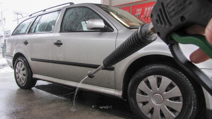 Hogy ne fagyjanak be a vezetékek, folyamatosan keringetik a vizet