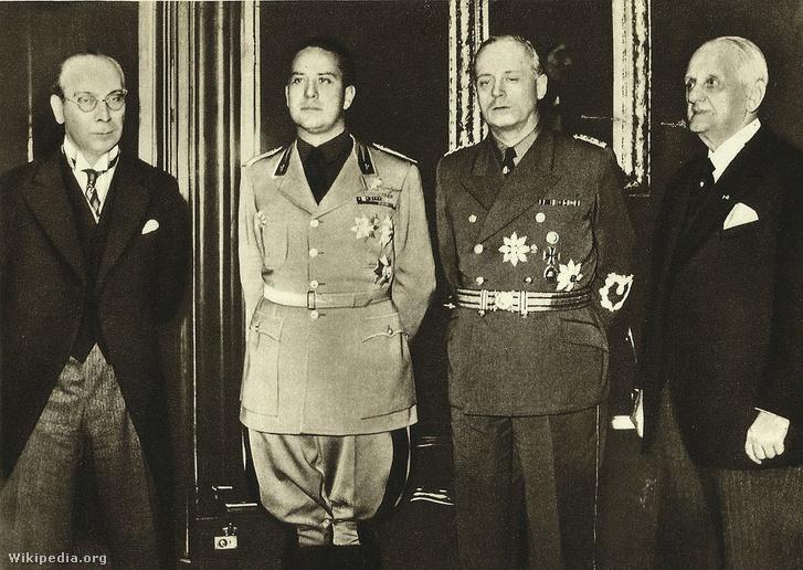 František Chvalkovský, Galeazzo Ciano, Joachim von Ribbentrop, Kánya Kálmán. Az első bécsi döntés a szlovák és magyar felek által felkért két döntőbíró, Ribbentrop német és Ciano gróf olasz külügyminiszter 1938. november 2-án meghozott döntése volt.