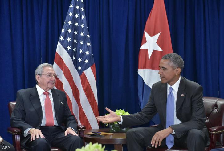 Barack Obama és Raul Castro: nehezen indult a közeledés