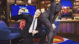 Khloe Kardashian ragadozó nagyvadnak öltözött egy showban
