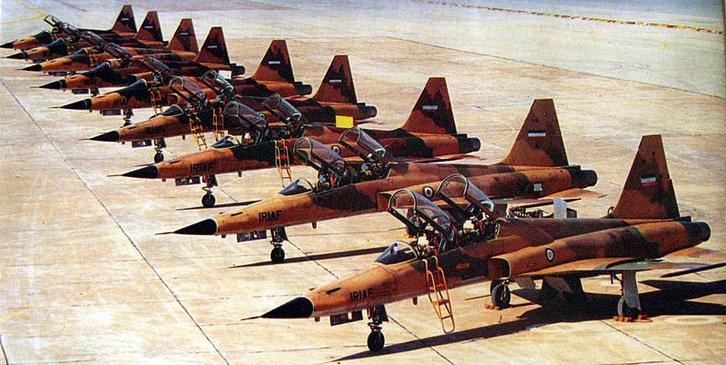 Iráni F-5-ösök az irak-iráni háború idején