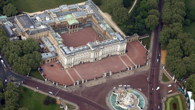 Így nézheti meg ingyen a Buckingham-palotát