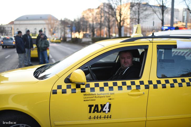 Megszüntetik az Uber versenyelőnyét?