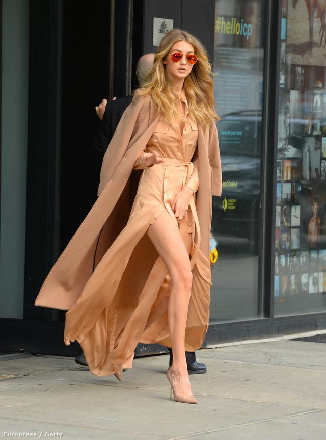Gigi Hadidot bézs színekben indult el sétálni New Yorkban.