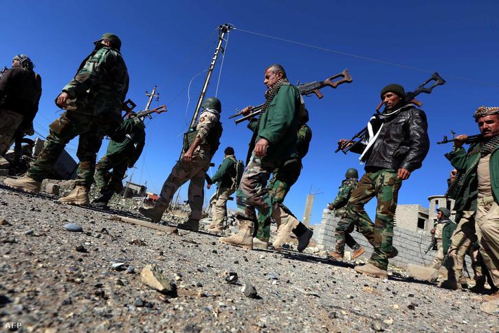 Pesmerga katonák Szíriában 2015. november 13-án.