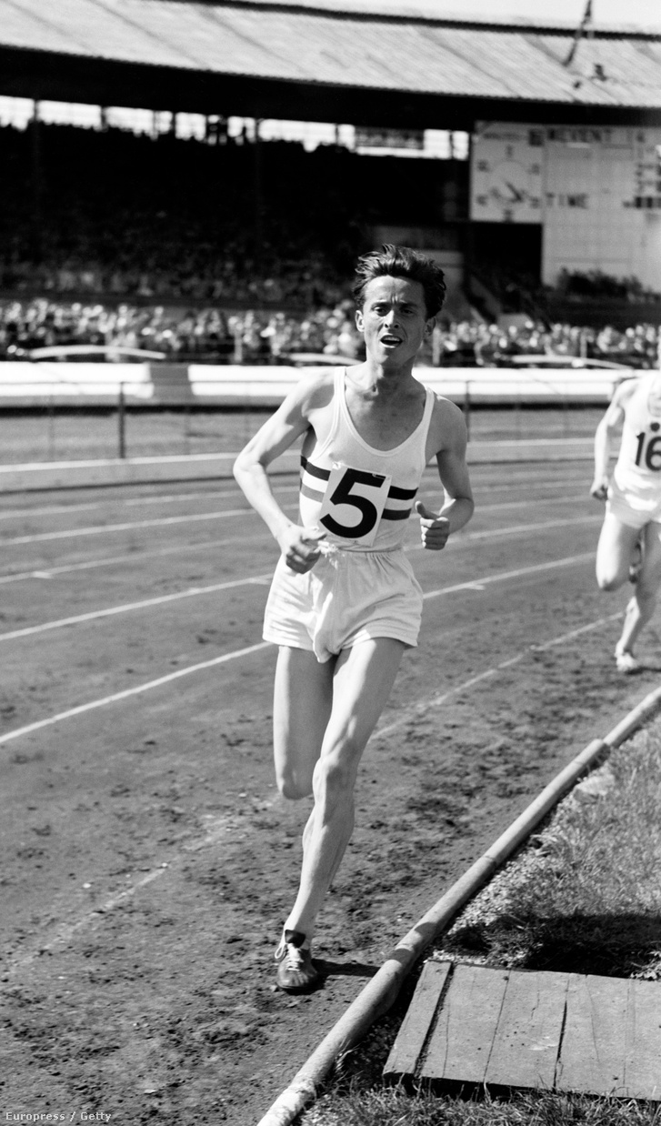 Iharos Sándor Londonban, 1955. május 30-án.