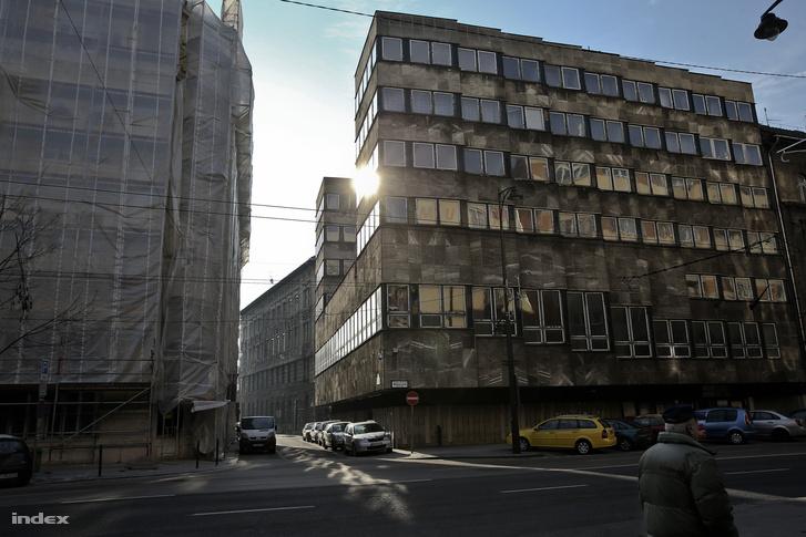 Baross utca 61., a Magyar Békekör Mozgalom ebben az épületben tartotta ülését